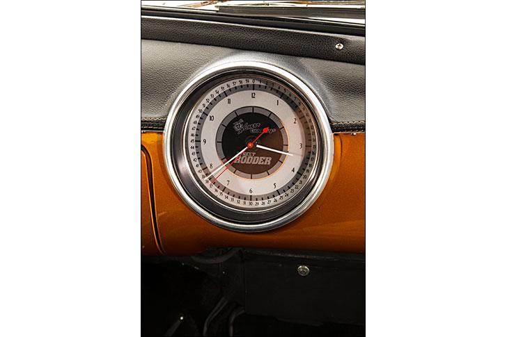 Street Rodder '51 Ford Dakota Digital Clock