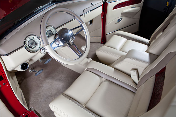 Kindig-It 1950 Chevy: Two-tone leather interior