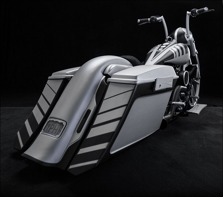 Trask 2002 Silver Road King: Stylish Tail