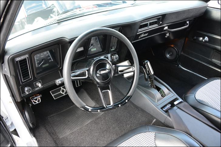 Motor Market Comp Cams '69 Camaro interior