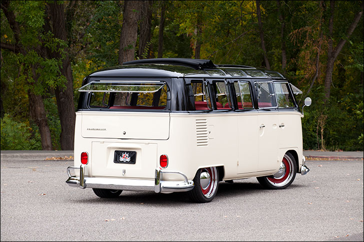 Kindig-It '65 VW Bus: Sitting low and large