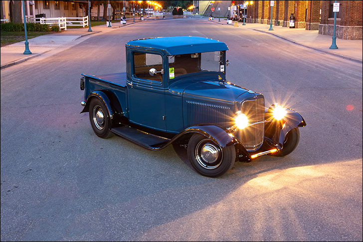 Street Rodder 1932 Ford: Vintage Accoutrements