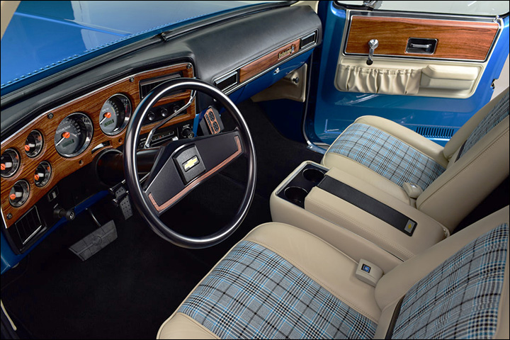 squarebody ss01: plaid interior with leather