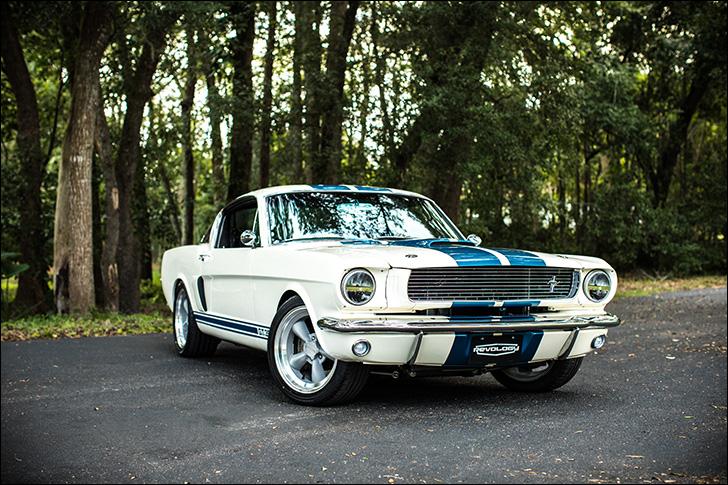Revology Cars '66 Mustang