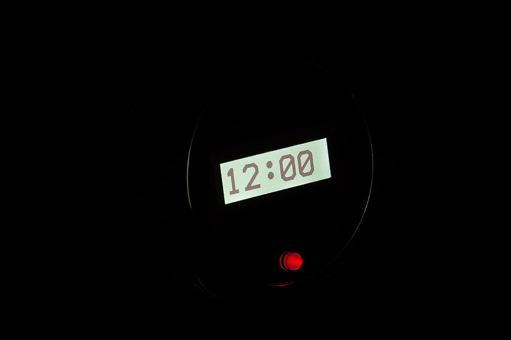 VLK-55C-K-W: Black Alloy Background, White Lighting at Night