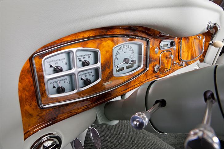 Motor Market 1934 Dodge: Custom Dakota Digital Instrumentation