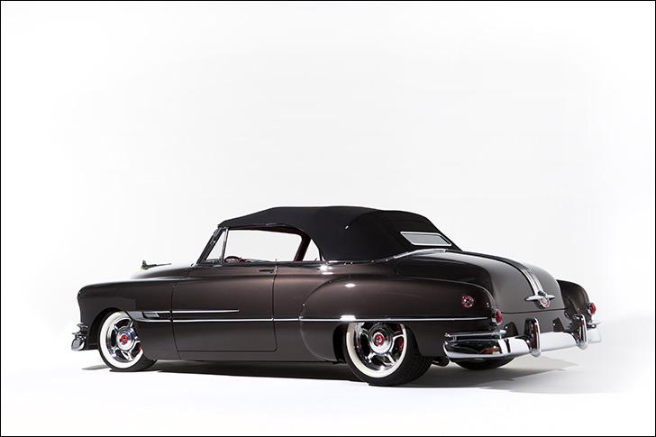 Motor Market Kindig-It '52 Pontiac: Art Morrison Chassis