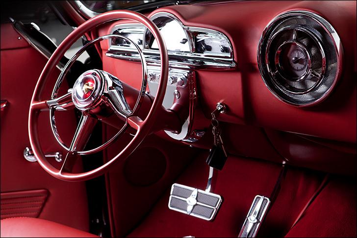 Motor Market Kindig-It '52 Pontiac: A masterpiece on wheels