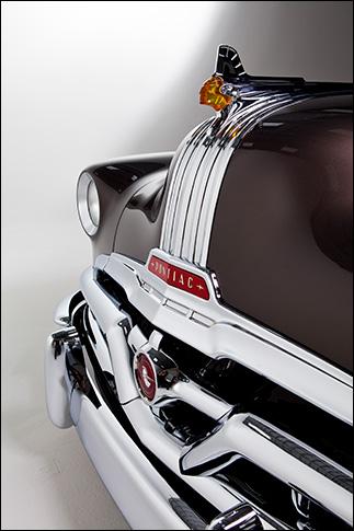 Motor Market Kindig-It '52 Pontiac: Photo 2