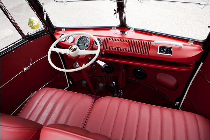 Kindig-It '65 VW Bus