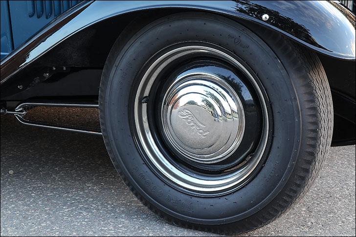 Street Rodder 1932 Ford: 360hp 306 small block