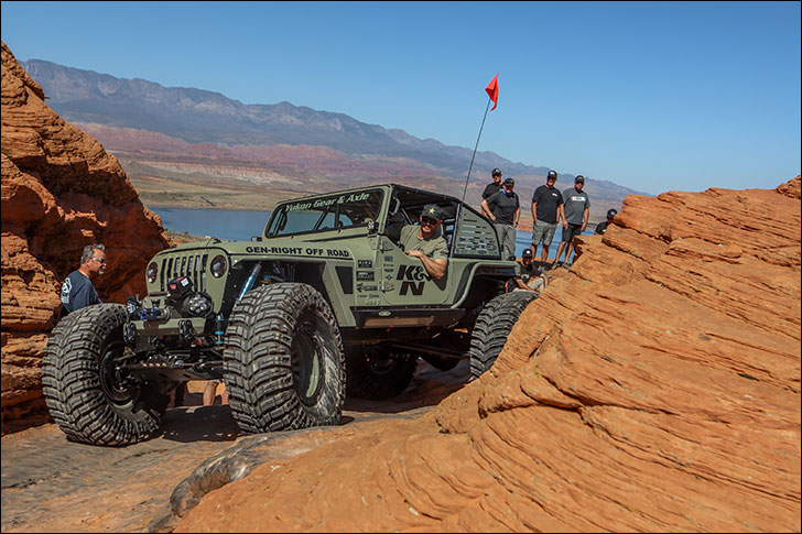Rockstar GRDLOC Jeep: Mountain climbing