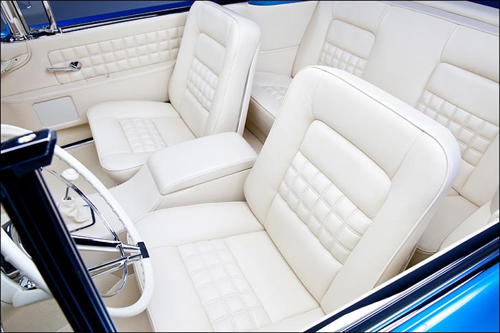 Kindig 58 Lincoln Maybellene: Popping interior