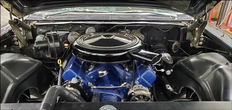 Stoner's Speed Shop Black Cadillac: Engine